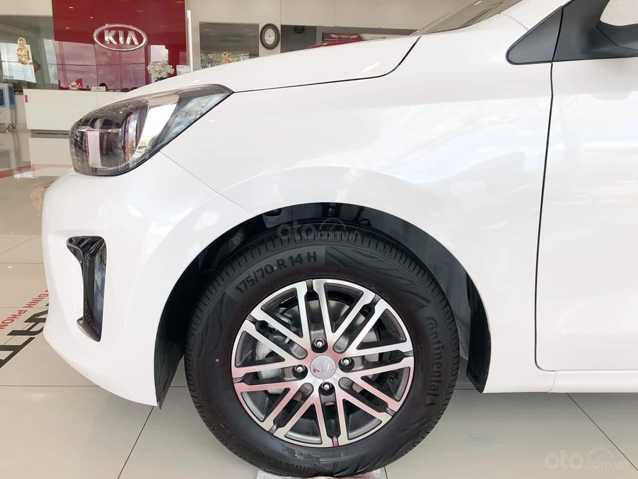 Kia Soluto 1.4 AT đời 2020, chỉ 128 triệu nhận xe- góp 5 triệu/tháng, giao xe ngay, LH: 0933.052.663 (8)