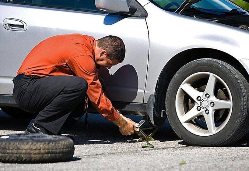 Chủ xe nên kiểm tra thường xuyên lốp xe để đảm bảo hành trình an toàn.