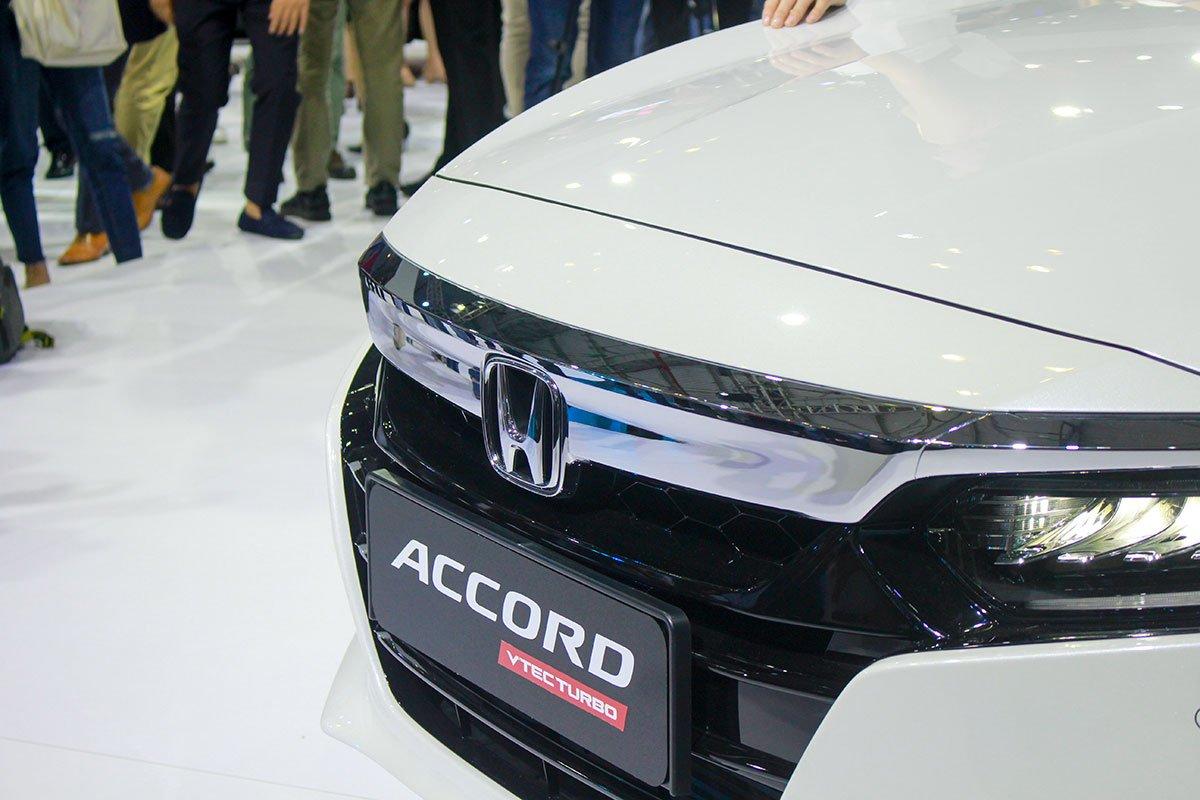 So sánh xe Kia Optima 2019 và Honda Accord 2020 về thiết kế đầu xe - Ảnh 5.