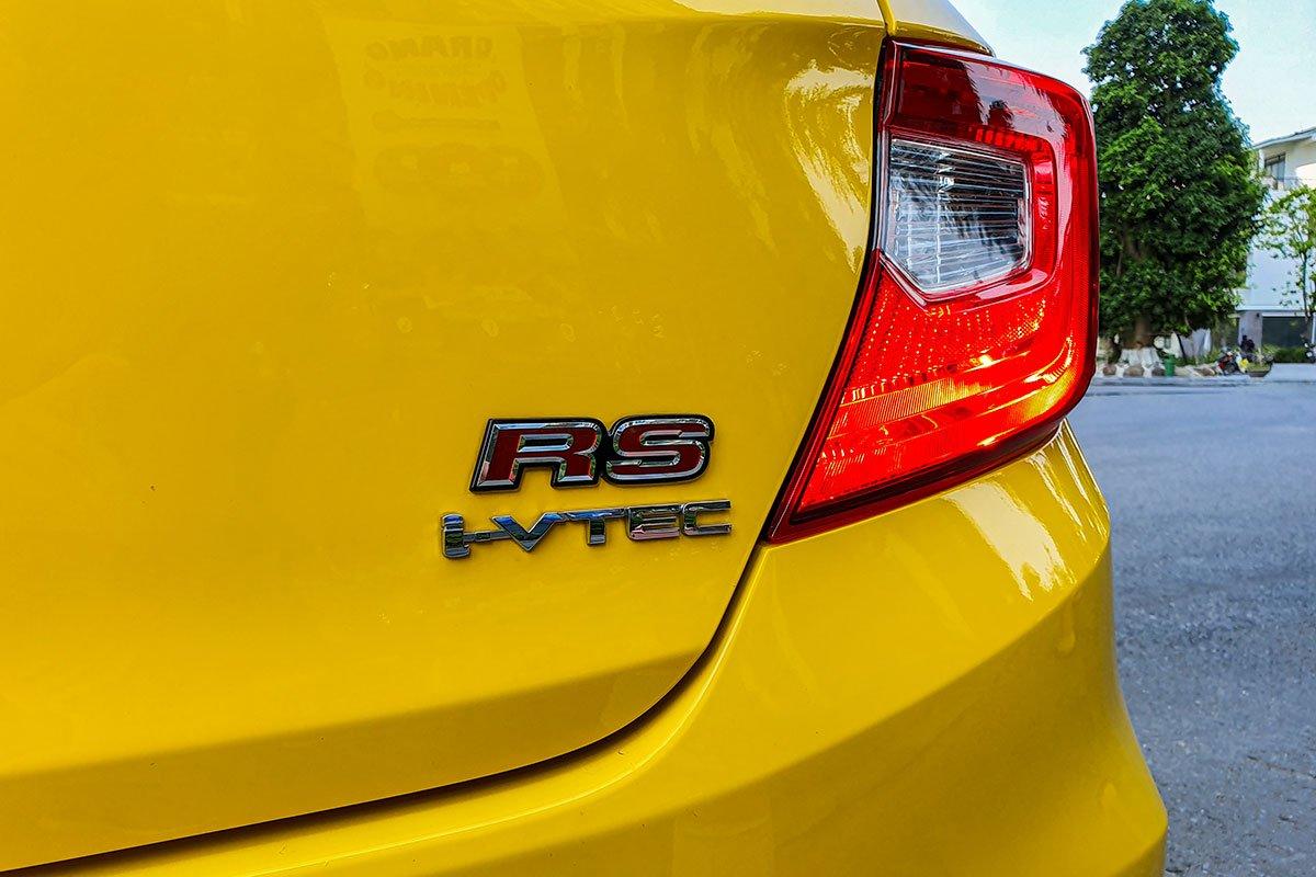 So sánh xe Honda Brio 2019 và Kia Soluto 2019 về thiết kế đuôi xe - Ảnh 2.