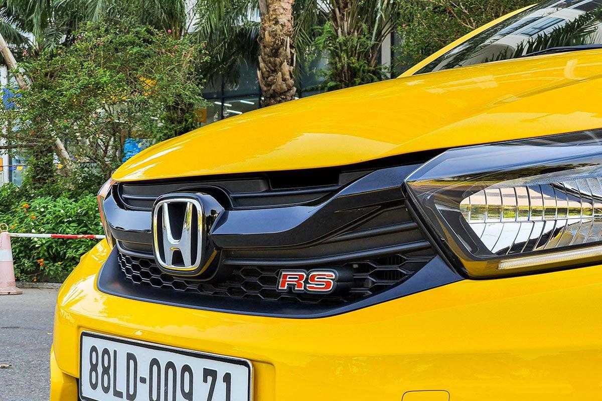 So sánh xe Honda Brio 2019 và Kia Soluto 2019 về thiết kế đầu xe - Ảnh 2.