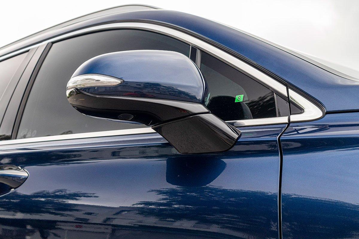 So sánh xe Mazda CX-8 2019 và Hyundai Santa Fe 2019 về thiết kế thân xe - Ảnh 3.