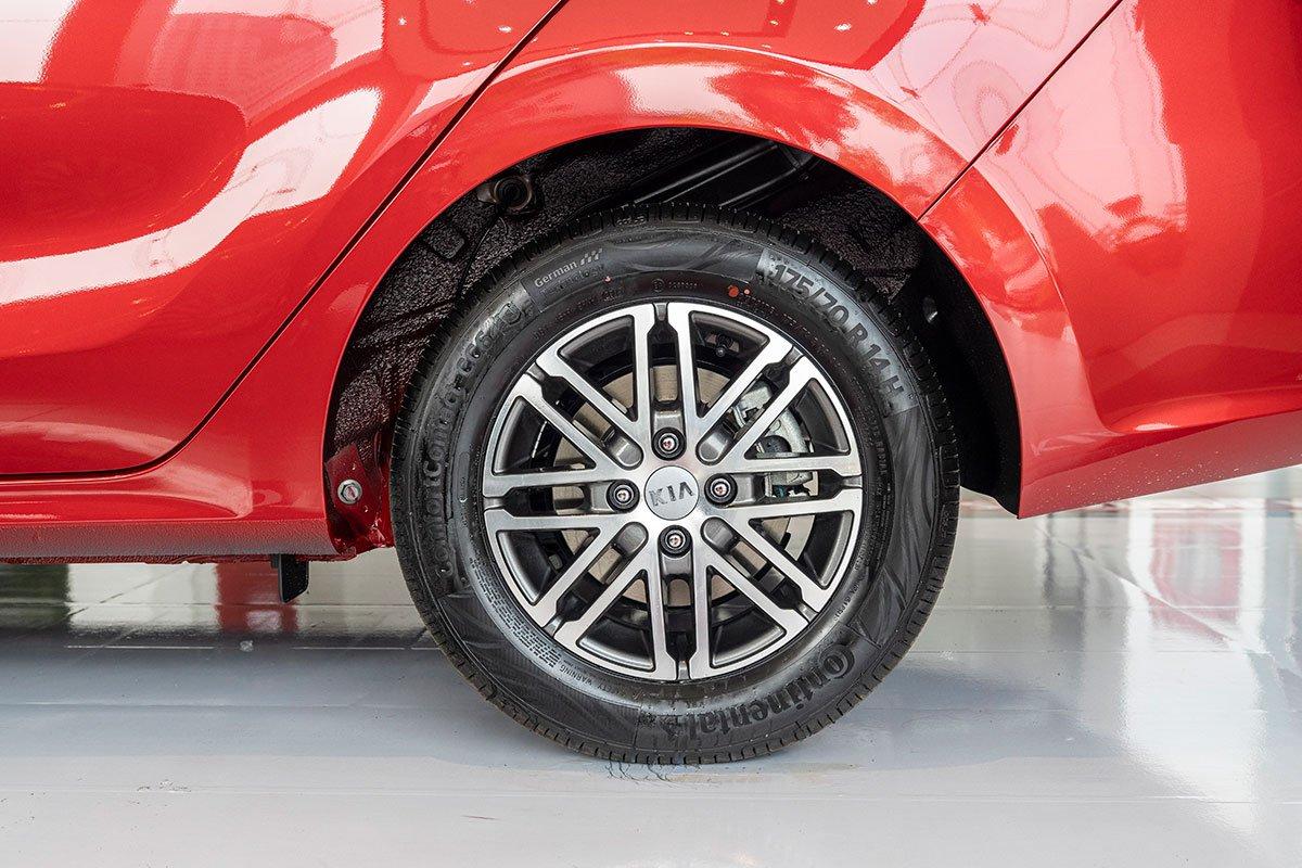 So sánh xe Honda Brio 2019 và Kia Soluto 2019 về thiết kế thân xe - Ảnh 5.