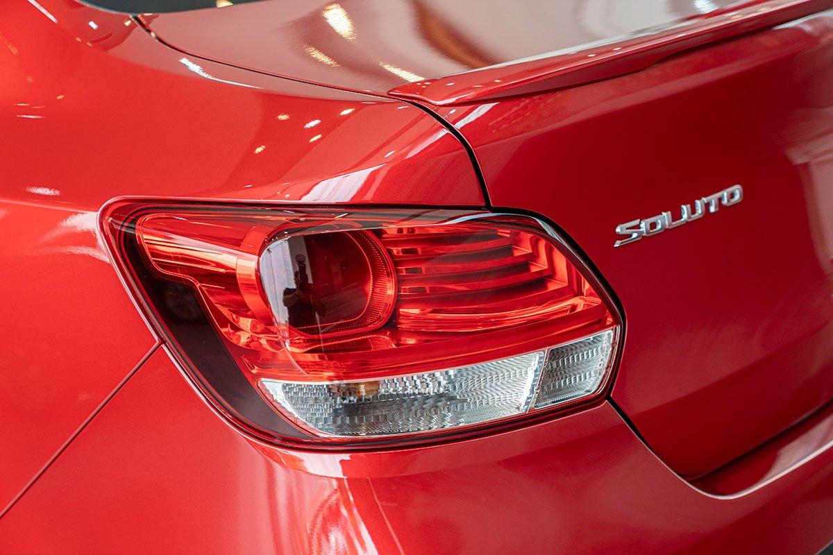 So sánh xe Honda Brio 2019 và Kia Soluto 2019 về thiết kế đuôi xe - Ảnh 3.
