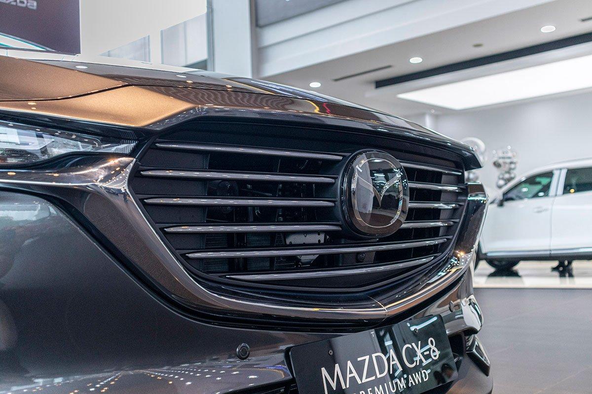 So sánh xe Mazda CX-8 2019 và Hyundai Santa Fe 2019 về thiết kế đầu xe - Ảnh 6.