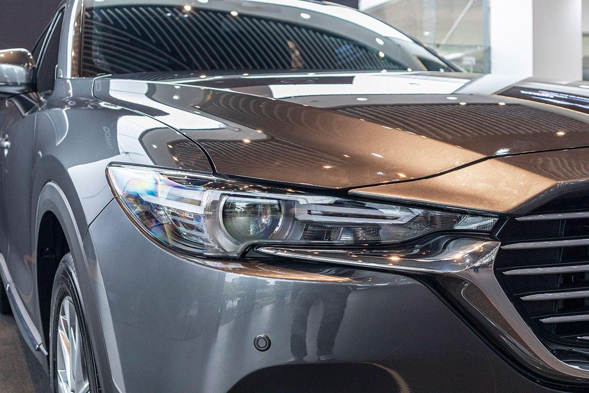 So sánh xe Mazda CX-8 2019 và Hyundai Santa Fe 2019 về thiết kế đầu xe - Ảnh 2.