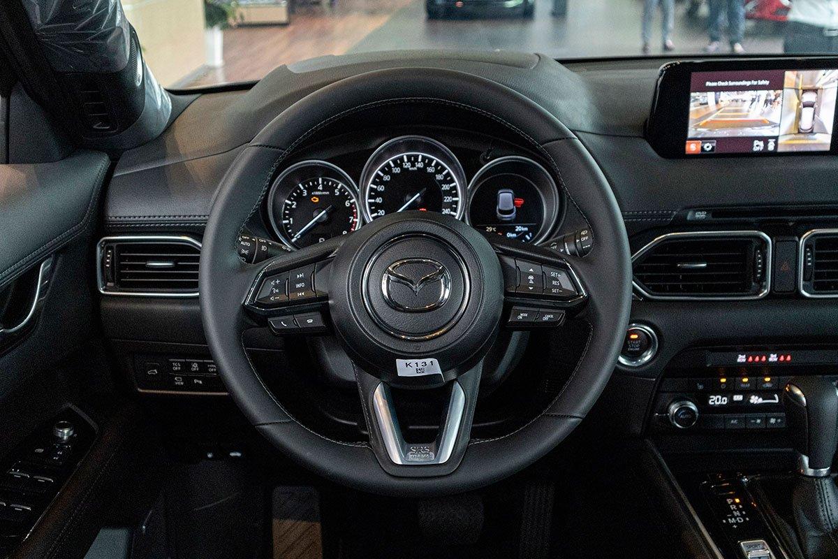 So sánh xe Mazda CX-8 2019 và Hyundai Santa Fe 2019 về không gian nội thất - Ảnh 2.