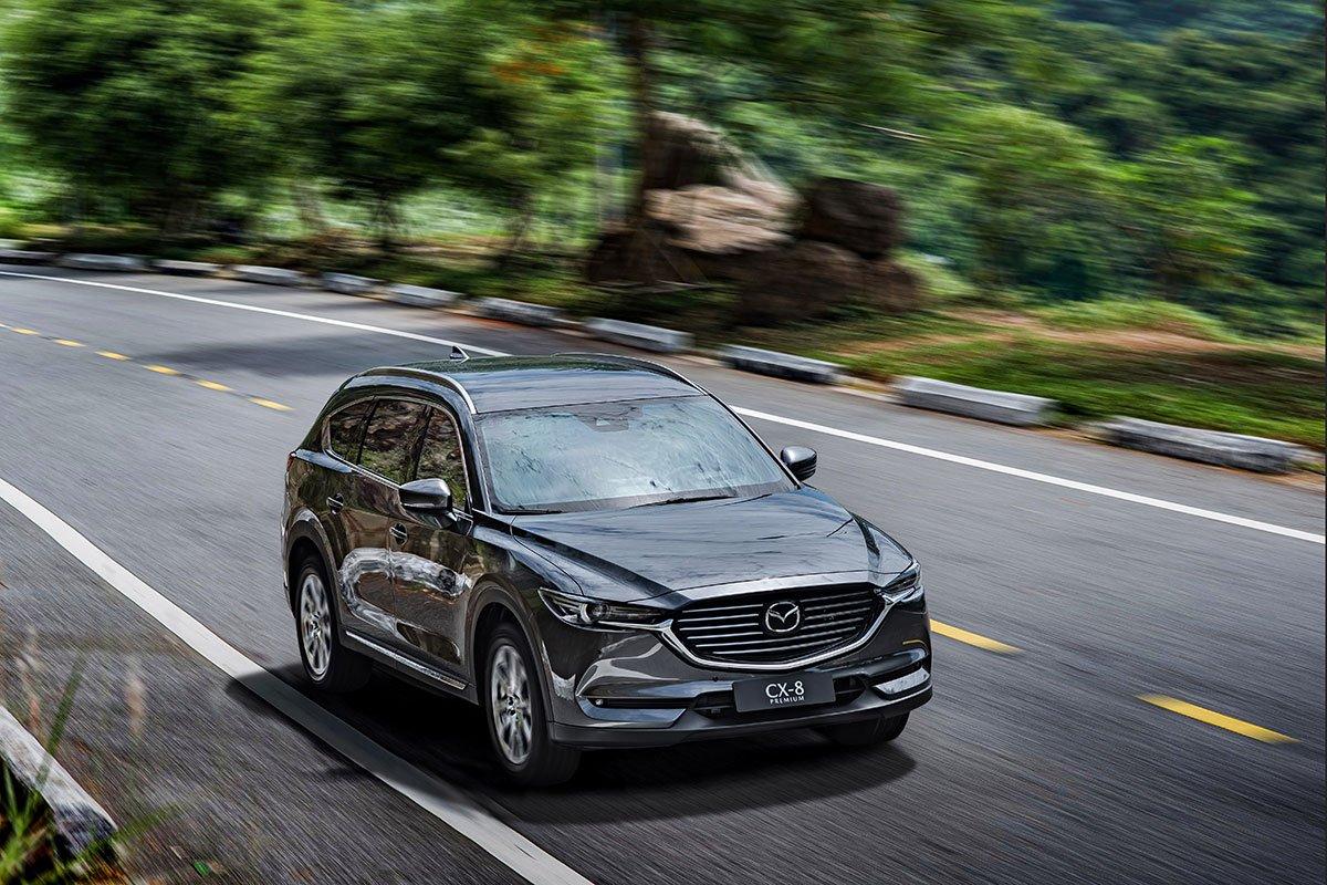 So sánh xe Mazda CX-8 2019 và Hyundai Santa Fe 2019 cảm giác lái.
