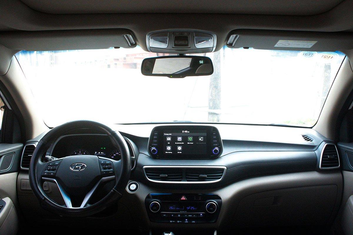 Ảnh chụp bảng táp-lô xe Hyundai Tucson 2020