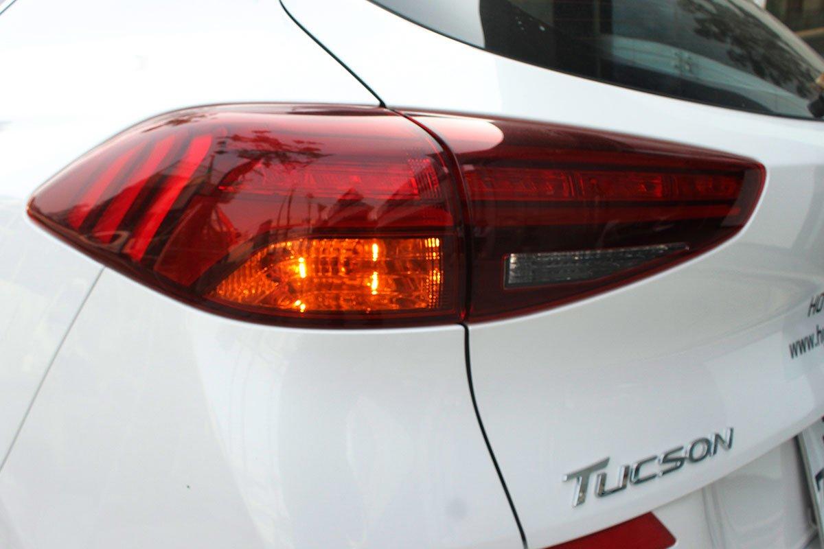 Ảnh chụp đèn hậu xe Hyundai Tucson 2020