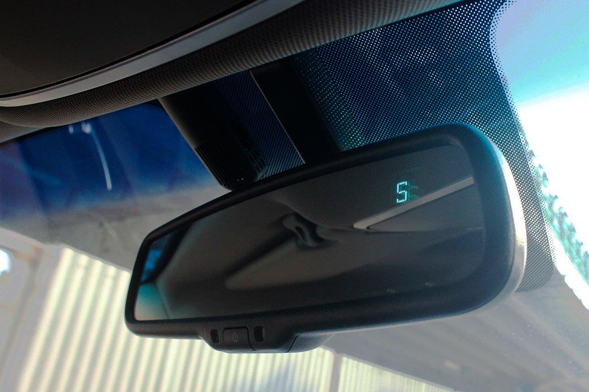 Ảnh chụp gương trong xe Hyundai Tucson 2020