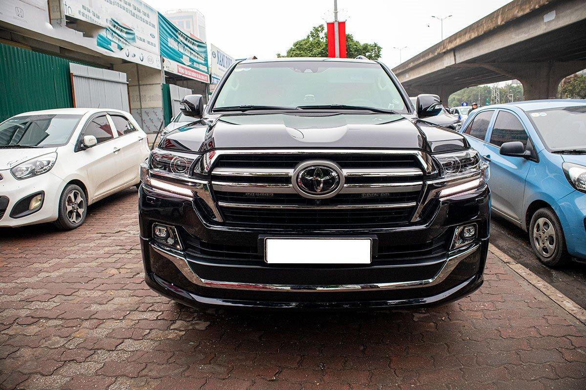 Toyota Land Cruiser 2020 nhập khẩu Trung Đông về Việt Nam trước Tết, mức giá đáng chú ý a5