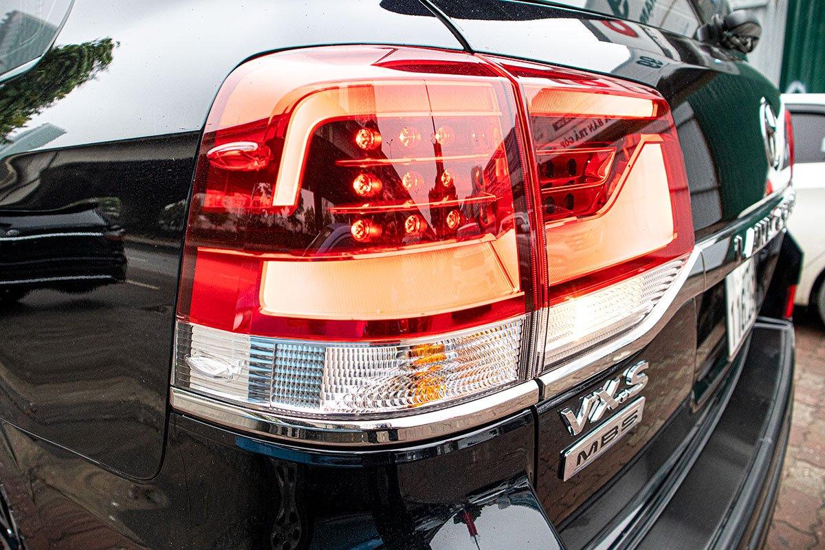 Toyota Land Cruiser 2020 nhập khẩu Trung Đông về Việt Nam trước Tết, mức giá đáng chú ý a7