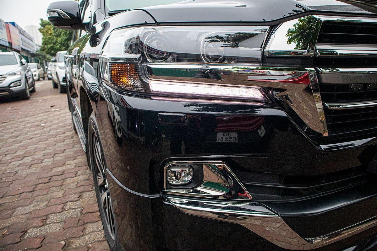 Toyota Land Cruiser 2020 nhập khẩu Trung Đông về Việt Nam trước Tết, mức giá đáng chú ý a4