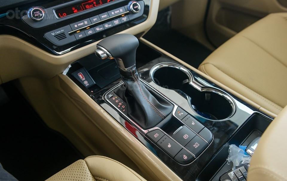 Kia Sedona 2020 - ưu đãi khủng - tặng bảo hiểm vật chất + camera hành trình + phụ kiện, liên hệ hotline: 0933.052.663 (3)