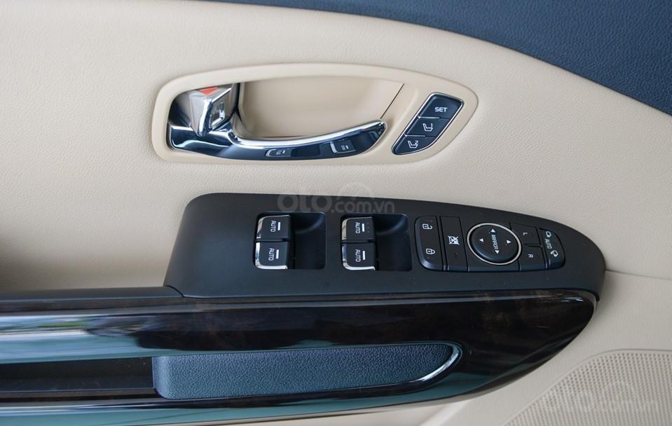 Kia Sedona 2020 - ưu đãi khủng - tặng bảo hiểm vật chất + camera hành trình + phụ kiện, liên hệ hotline: 0933.052.663 (6)