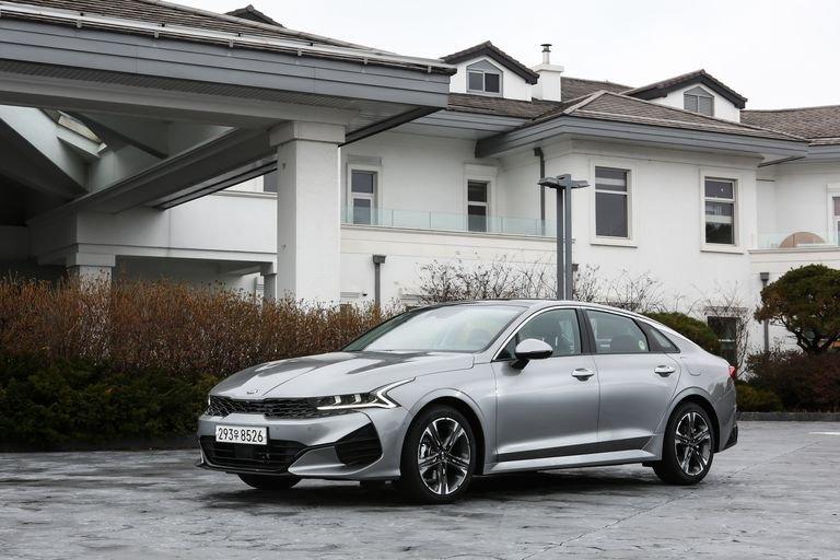 Đánh giá xe Kia Optima 2021 về trang bị an toàn: đầu xe