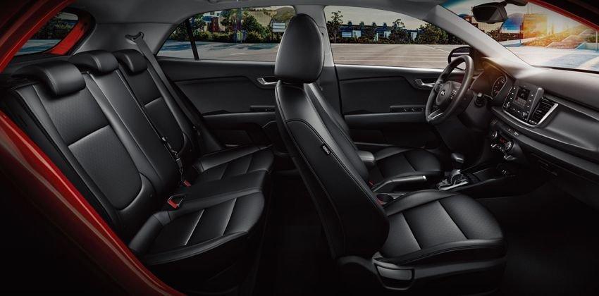 Ưu điểm Kia Rio Hatchback - Buồng lái thân thiện người dùng