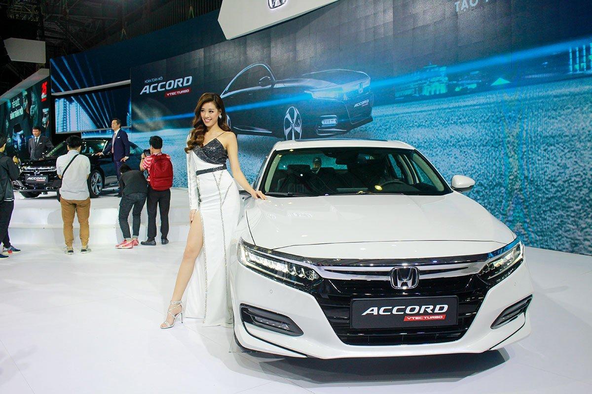 Ngoại thất xe Honda Accord 2021.