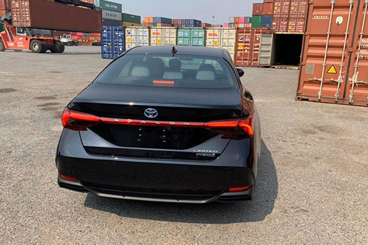 Video khui công Toyota Avalon Hybrid 2020 đầu tiên ở Việt Nam a3
