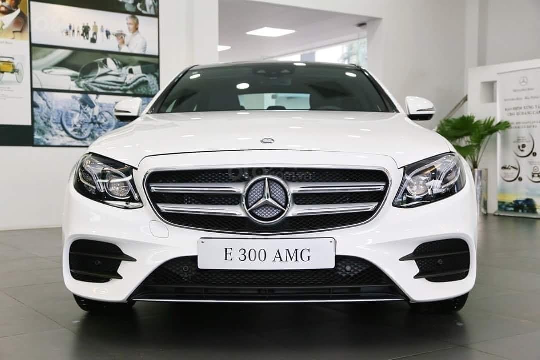 Bán Mercedes-Benz E300 AMG NEW- Hỗ trợ 100% TTB + hỗ trợ Bank 80%, trả trước 799 triệu nhận xe  (1)