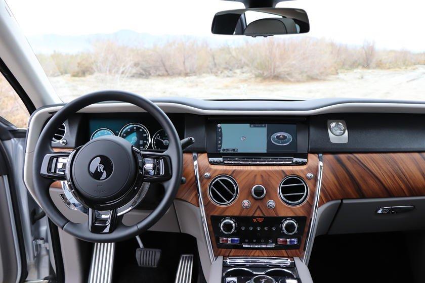 Nội thất Rolls-Royce Cullinan 2019.