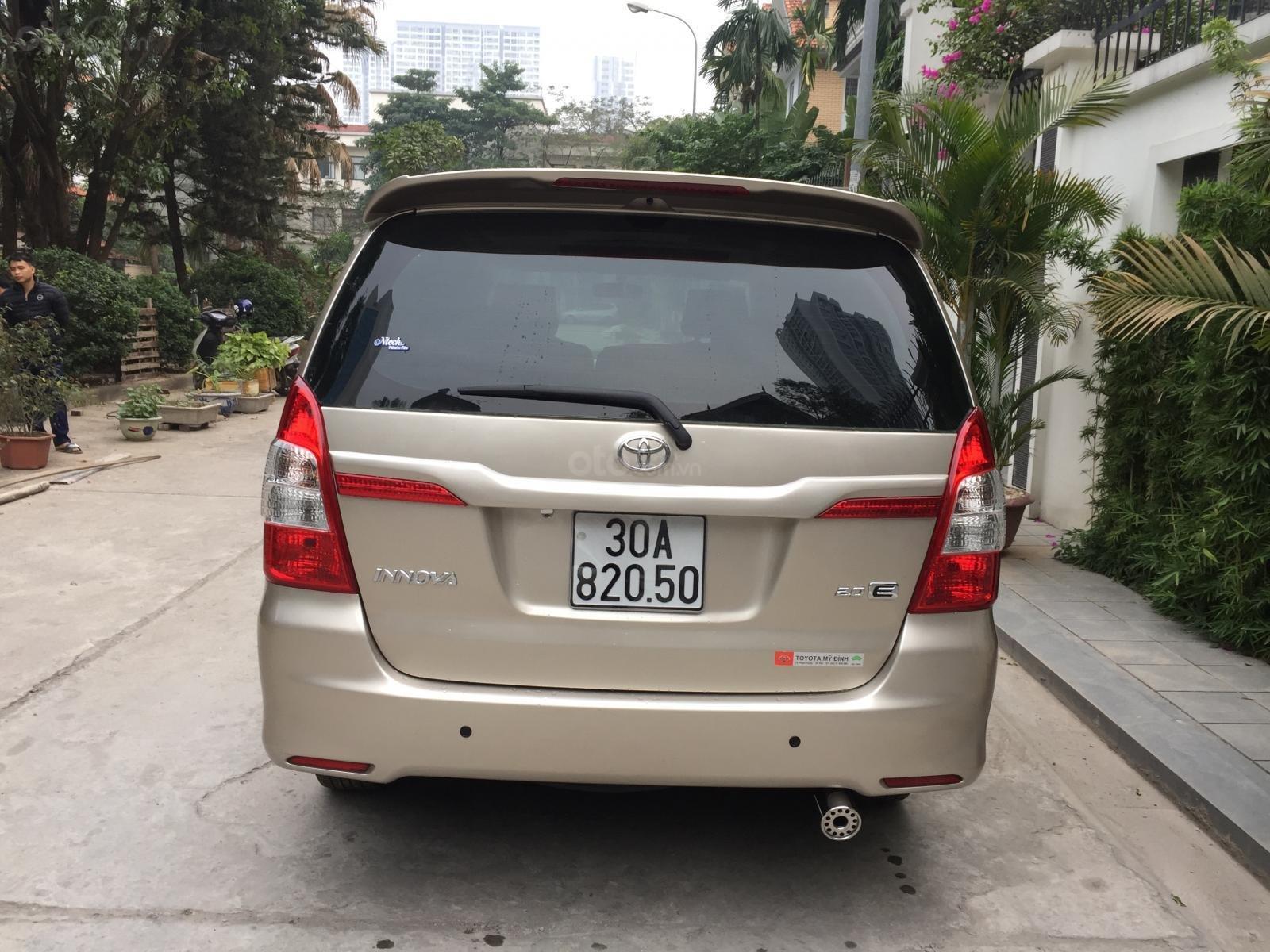 Chính chủ tôi cần bán chiếc Toyota Innova 2.0E 2015 số sàn, màu cát vàng ai có nhu cầu LH cho tôi 0984386598 (5)