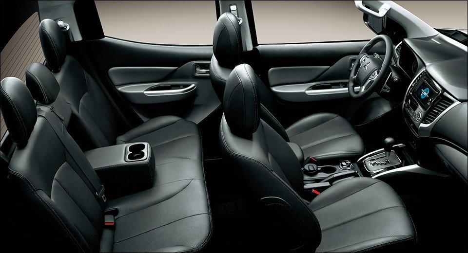Nội thất Mitsubishi Triton được trang bị nhiều công nghệ hiện đại