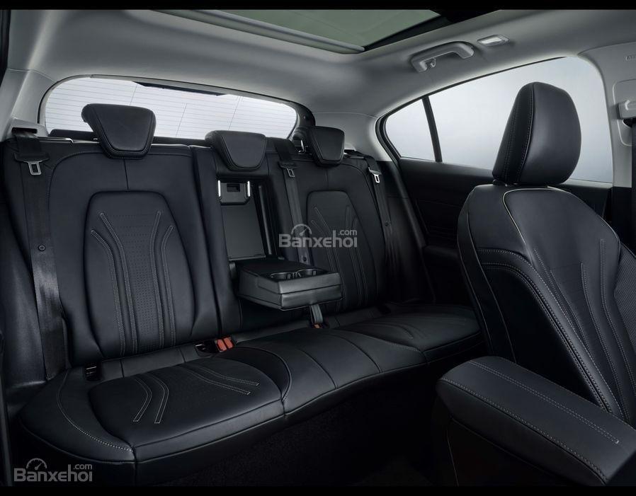 Đánh giá xe Ford Focus về thiết kế nội thất - 2