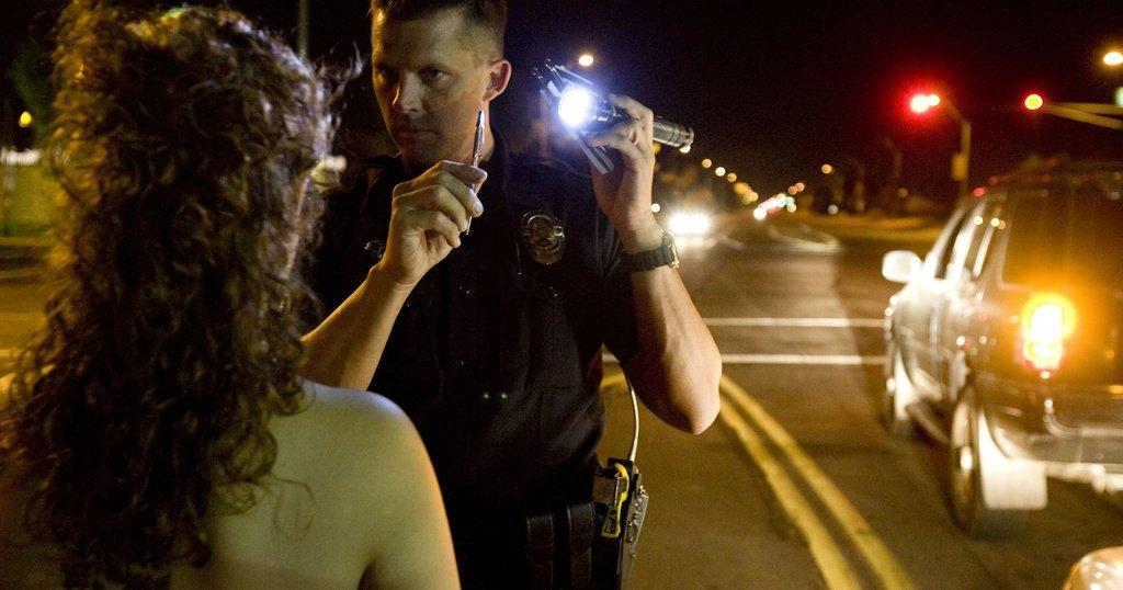 Lái xe sử dụng rượu bia có thể bị phạt tù 1