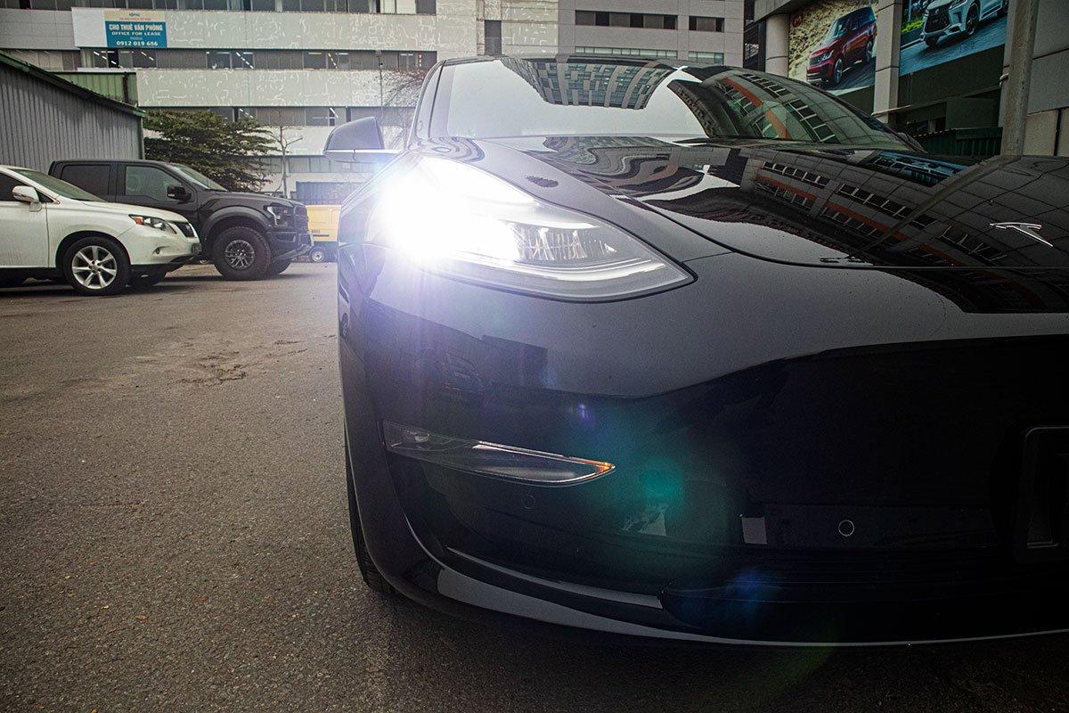 Ngắm xe hơi thuần điện Tesla Model 3 tại Việt Nam, nhiều chi tiết thú vị a4