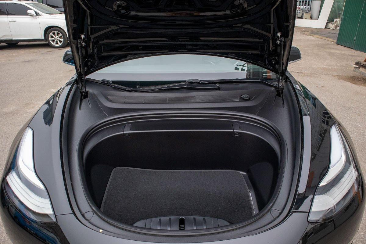 Ngắm xe hơi thuần điện Tesla Model 3 tại Việt Nam, nhiều chi tiết thú vị a18