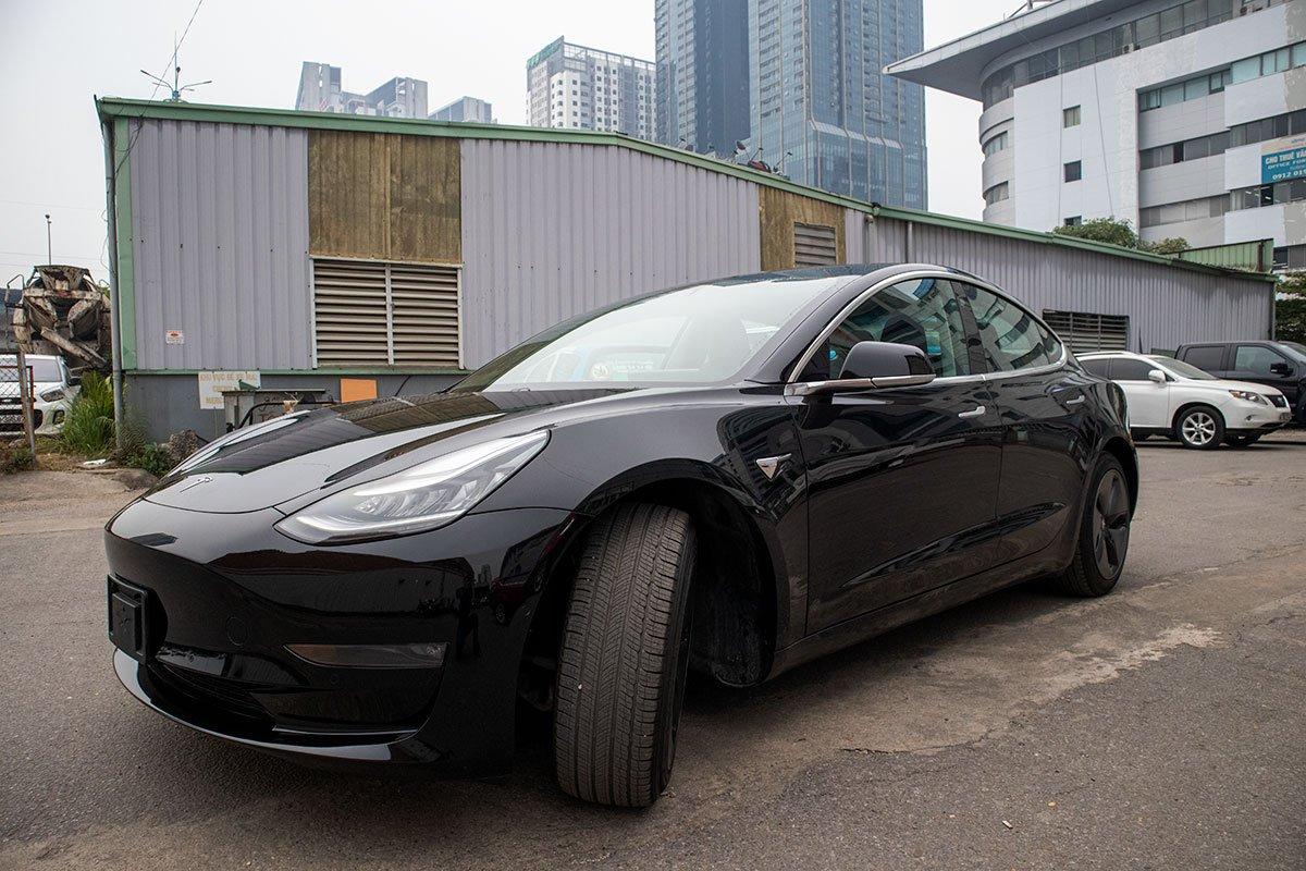 Ngắm xe hơi thuần điện Tesla Model 3 tại Việt Nam, nhiều chi tiết thú vị
