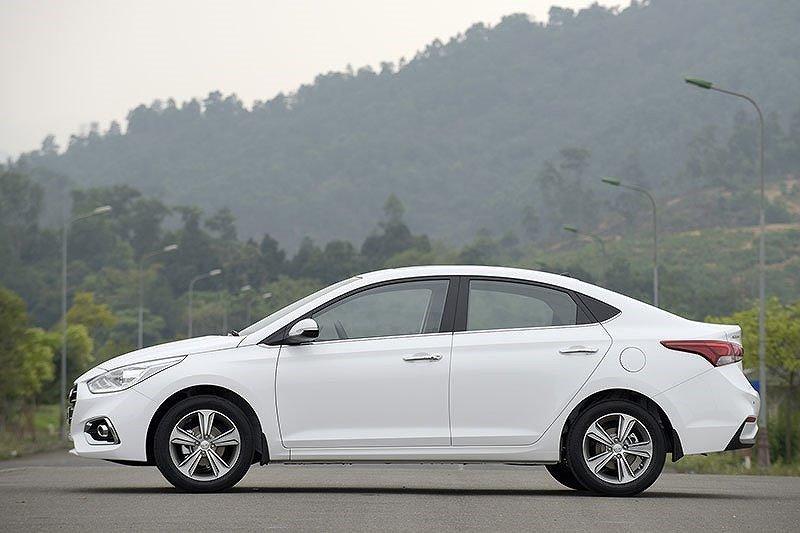 Thiết kế thân xe Hyundai Accent a2