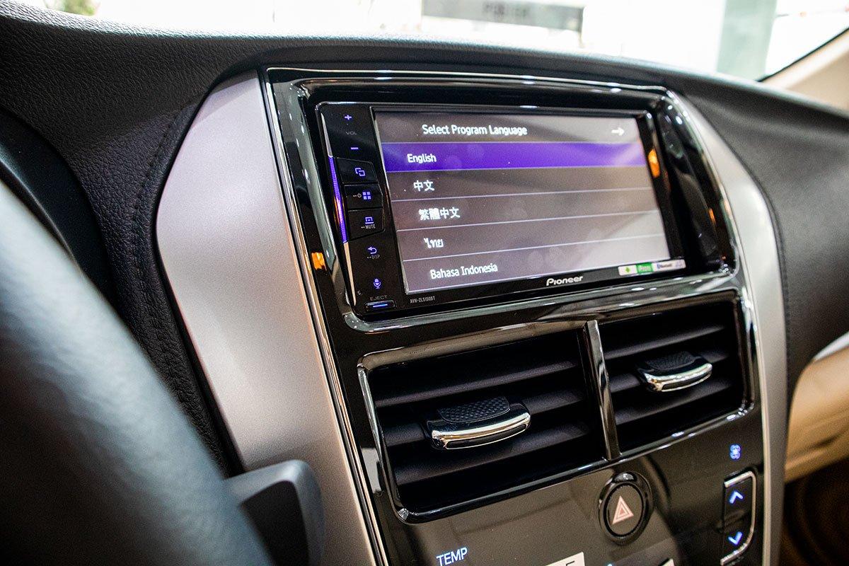 Trang bị tiện nghi trên xe Toyota Vios: Màn hình giải trí 1