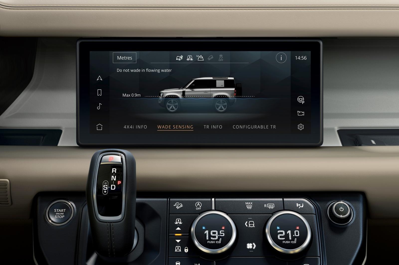 Land Rover Defender 2020 sử dụng hệ điều hành Blackberry QNX.