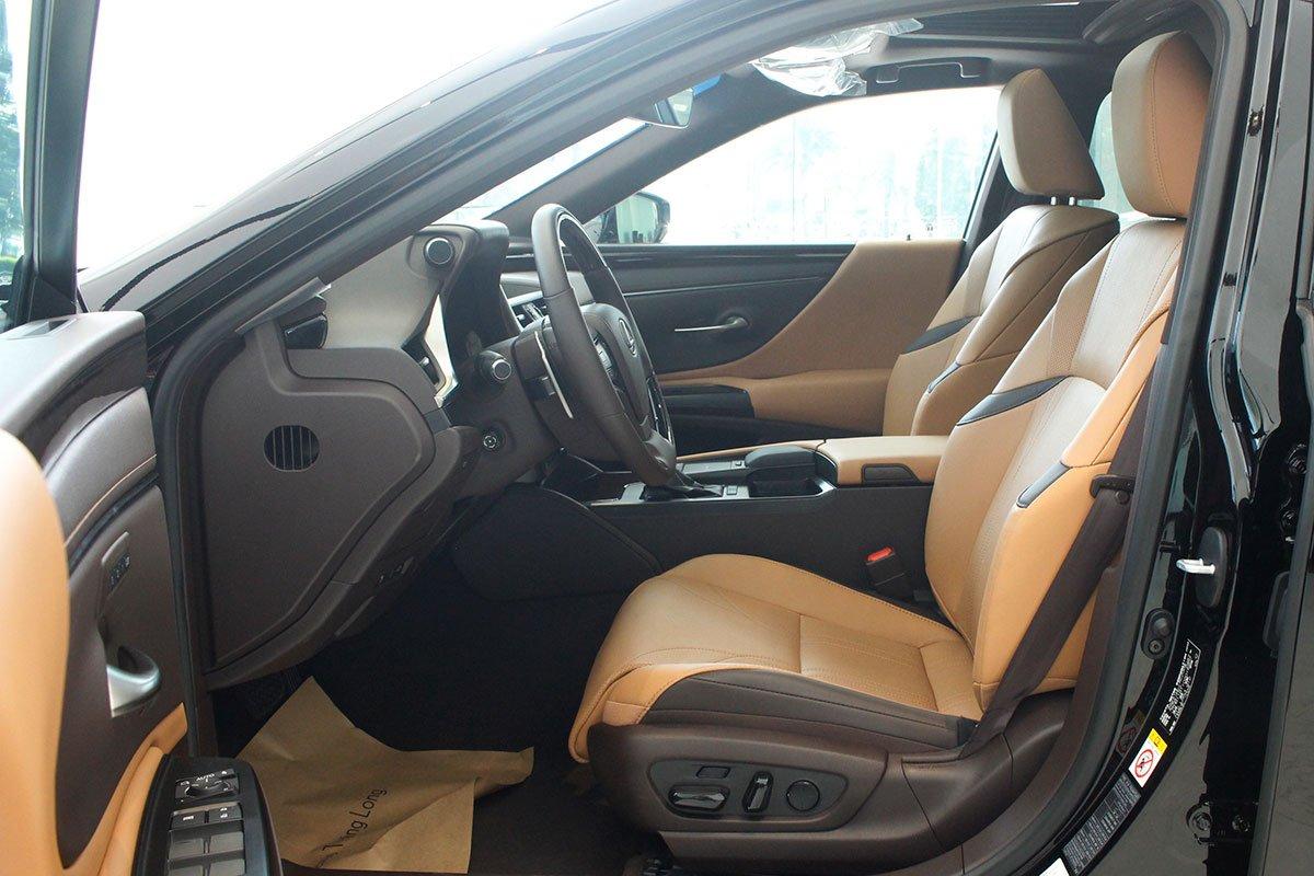 Lexus ES 250 2020 đã chốt giá tại Việt Nam, rẻ hơn Mercedes-Benz E350 AMG a10