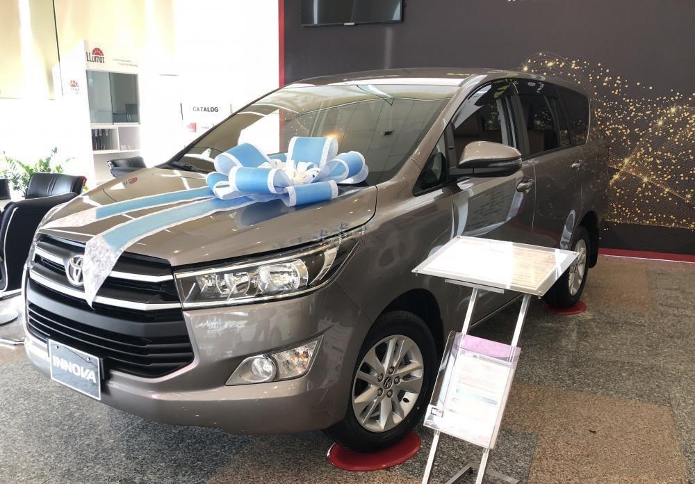 Ô tô sụt giá mạnh trước thềm Tết Nguyên Đán Canh Tý 2020