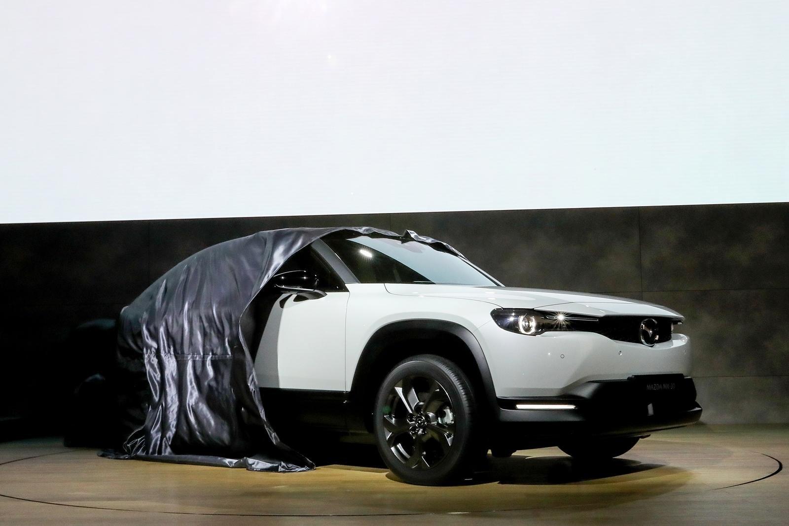 Đánh giá xe Mazda MX-30 2021 về cảm giác lái.