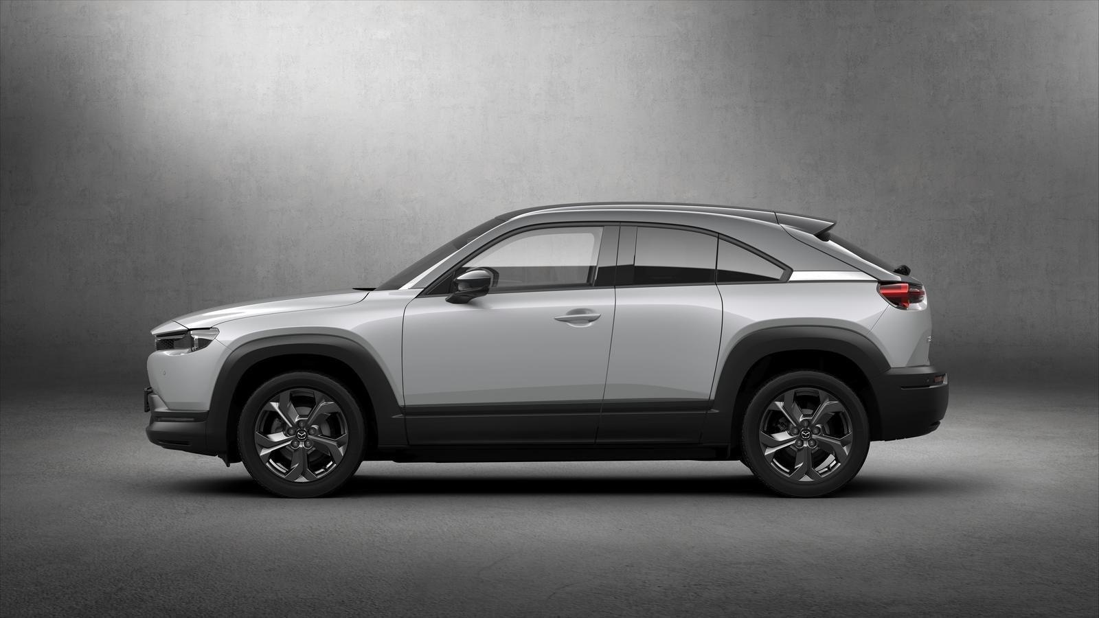 Đánh giá xe Mazda MX-30 2021 về thân xe: chính diện thân xe