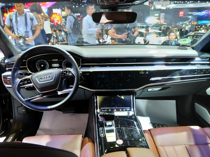 Nội thất xe Audi A8