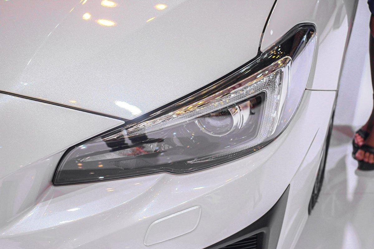 Ảnh chụp đèn pha xe Subaru Levorg 2020