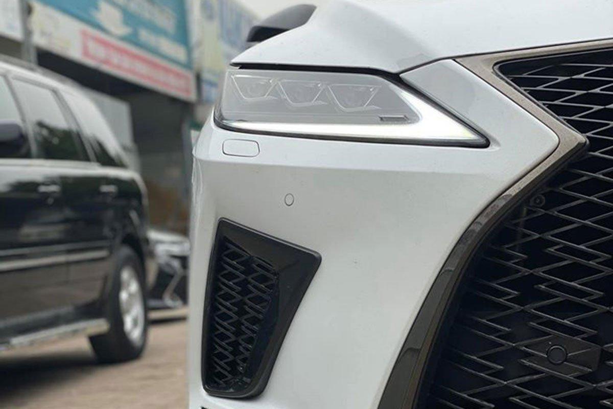 Lexus RX350 F-Sport 2020 đắt hơn hàng chính hãng gần 1 tỷ đồng có gì? a2