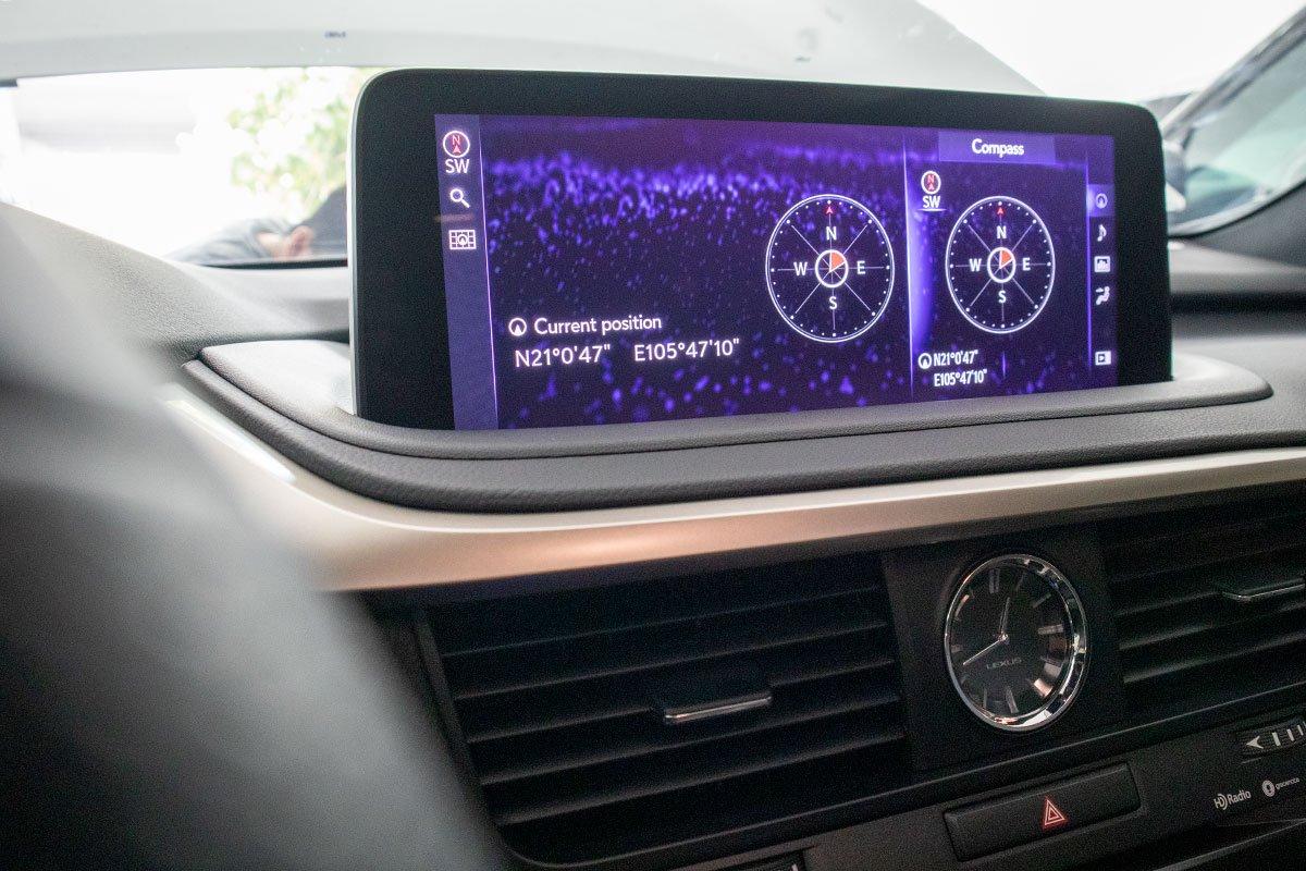 Lexus RX350 F-Sport 2020 đắt hơn hàng chính hãng gần 1 tỷ đồng có gì? a17