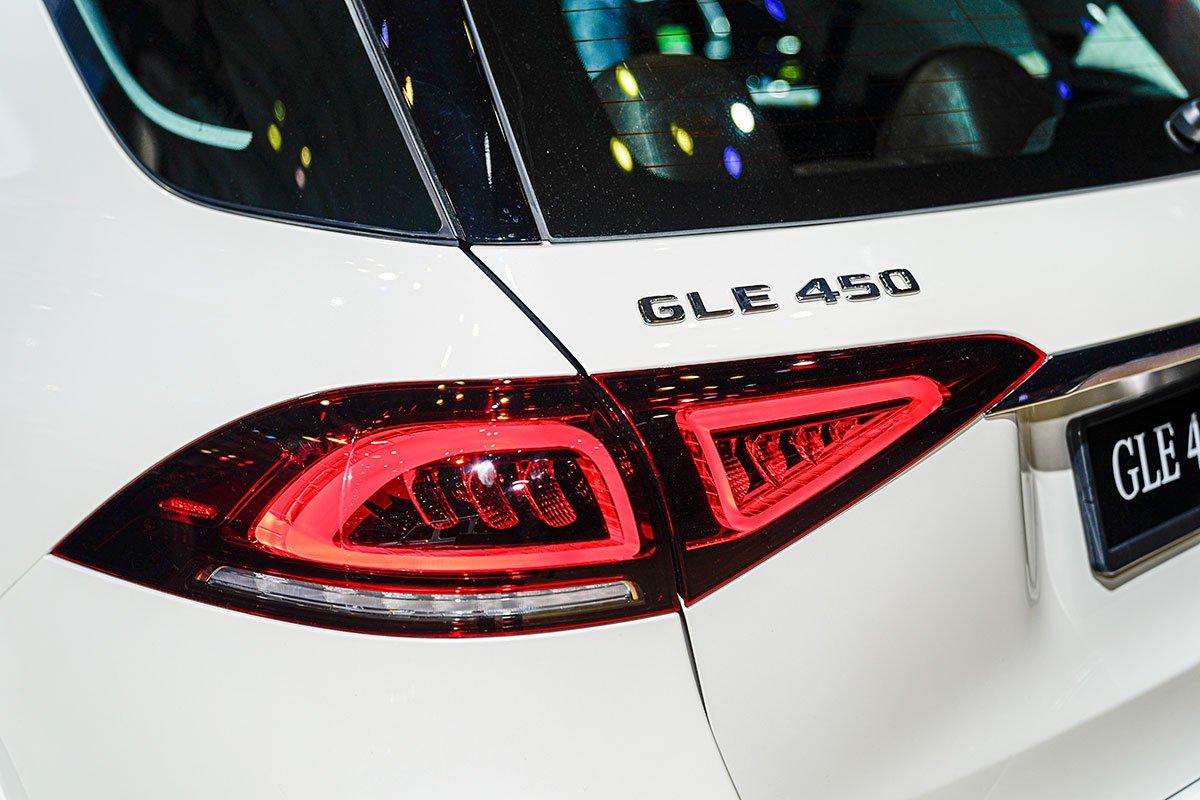 Mercedes-Benz GLE350 2.0 Diesel 2020 vừa cập bến Việt Nam, mức giá đáng nói a18