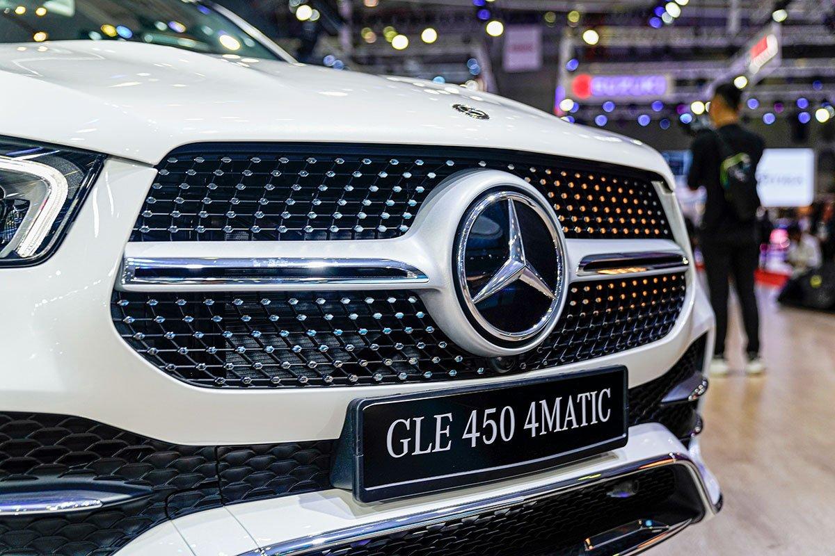 Mercedes-Benz GLE350 2.0 Diesel 2020 vừa cập bến Việt Nam, mức giá đáng nói a12