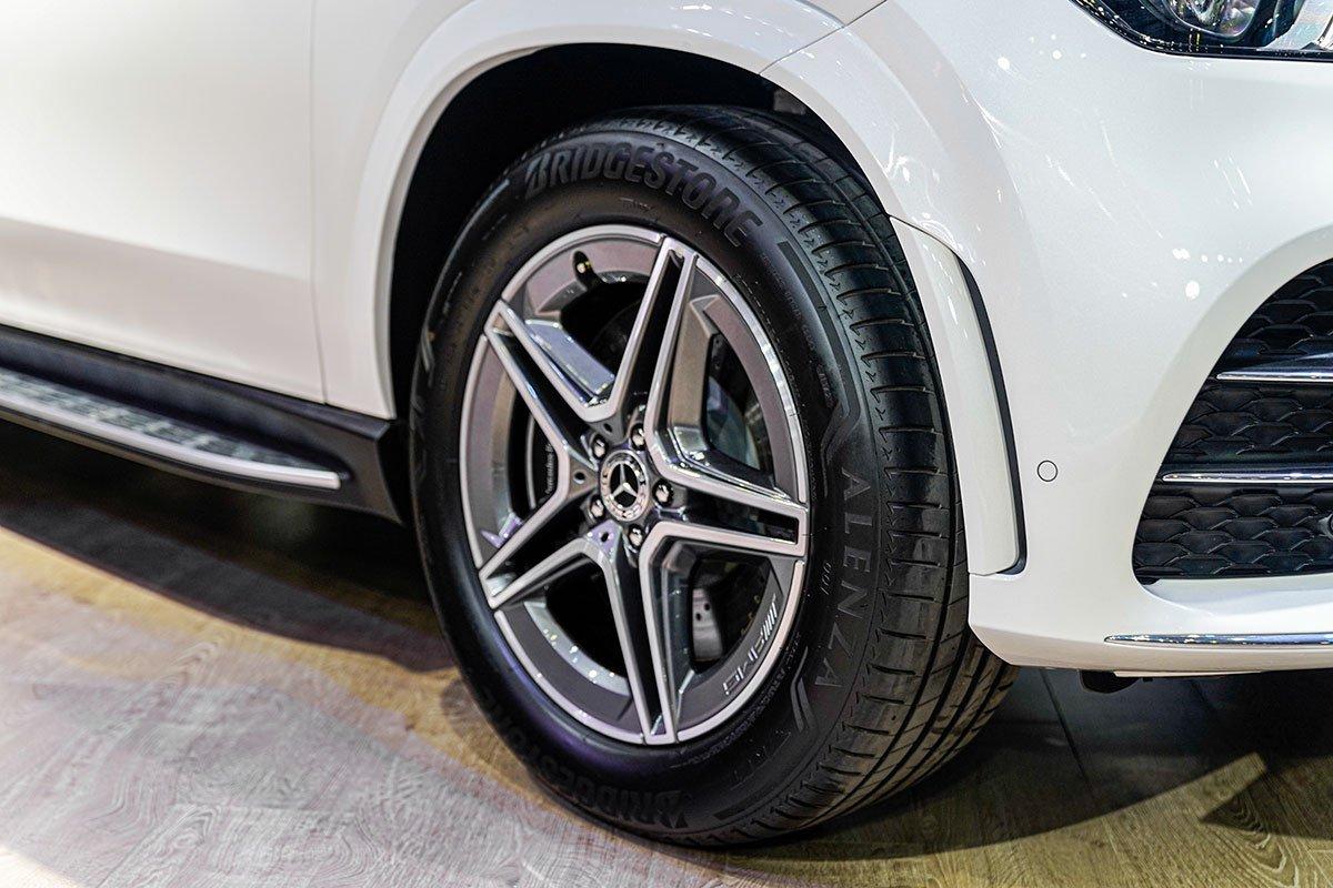Mercedes-Benz GLE350 2.0 Diesel 2020 vừa cập bến Việt Nam, mức giá đáng nói a15