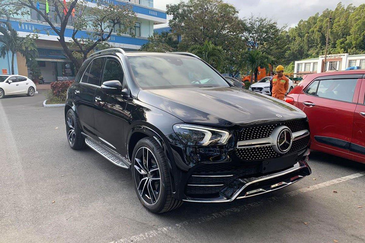 Mercedes-Benz GLE300 2.0 Diesel 2020 vừa cập bến Việt Nam, mức giá đáng nói a1