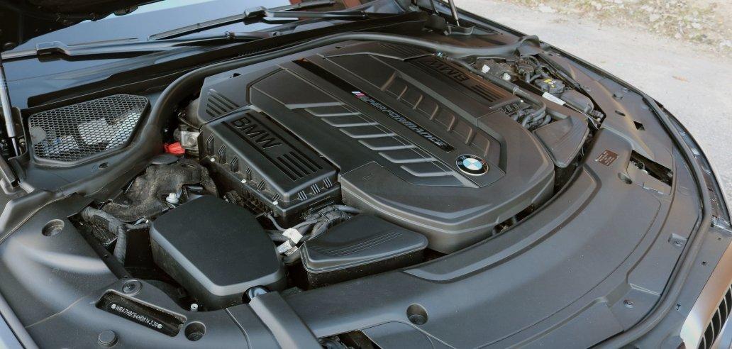 BMW sẽ chưa chia tay động cơ truyền thống trong nhiều năm tới.
