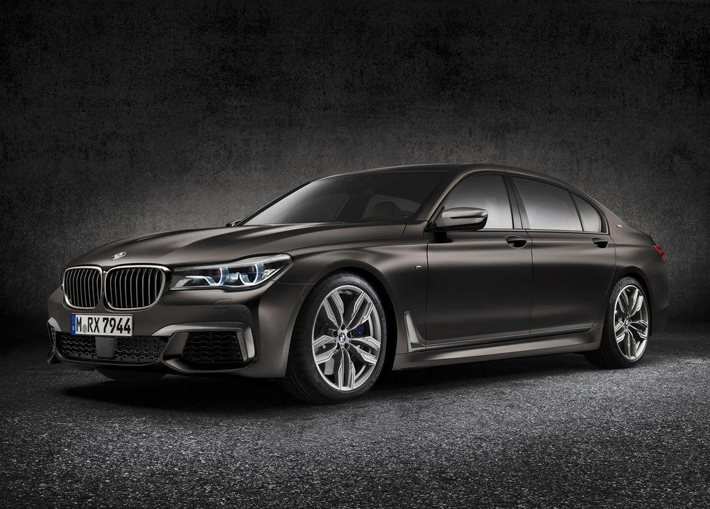 BMW M760i 2020.